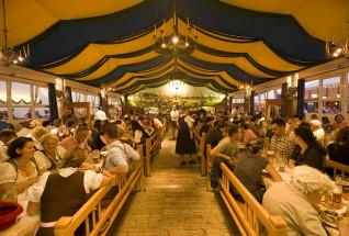 As pequenas tendas da Oktoberfest